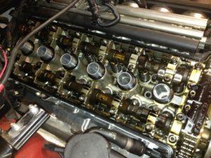 Чистый двигатель при использовании масла Эльф